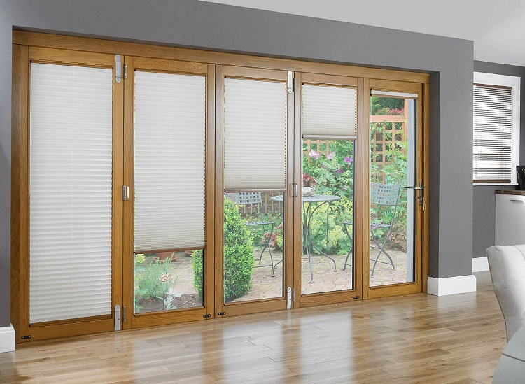 3 Reasons To Choose To Add Blinds To Your Windows And Doors In The UK.