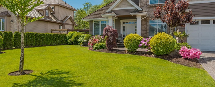 3 Ways Landscaping Can Help To Make Your Home More Attractive To Potential Buyers