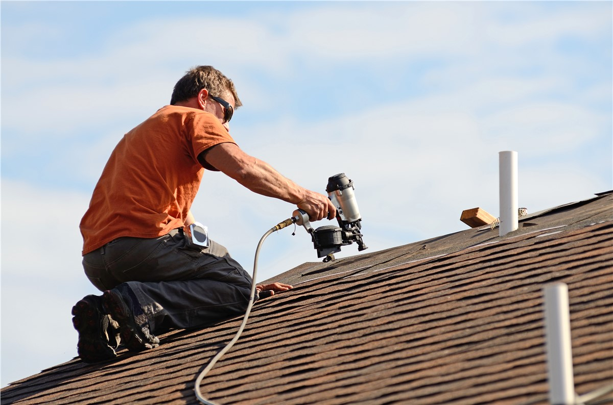 Check Out the Top Benefits of Professional Roof Repairs